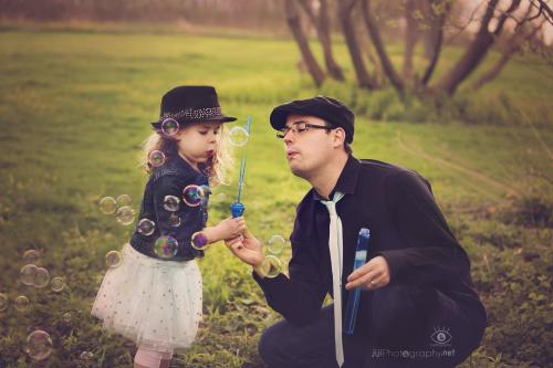 girl and daddy
